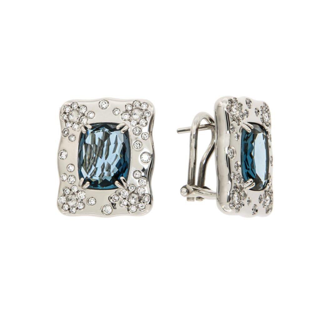 Orecchini in oro bianco con topazio blu e diamanti